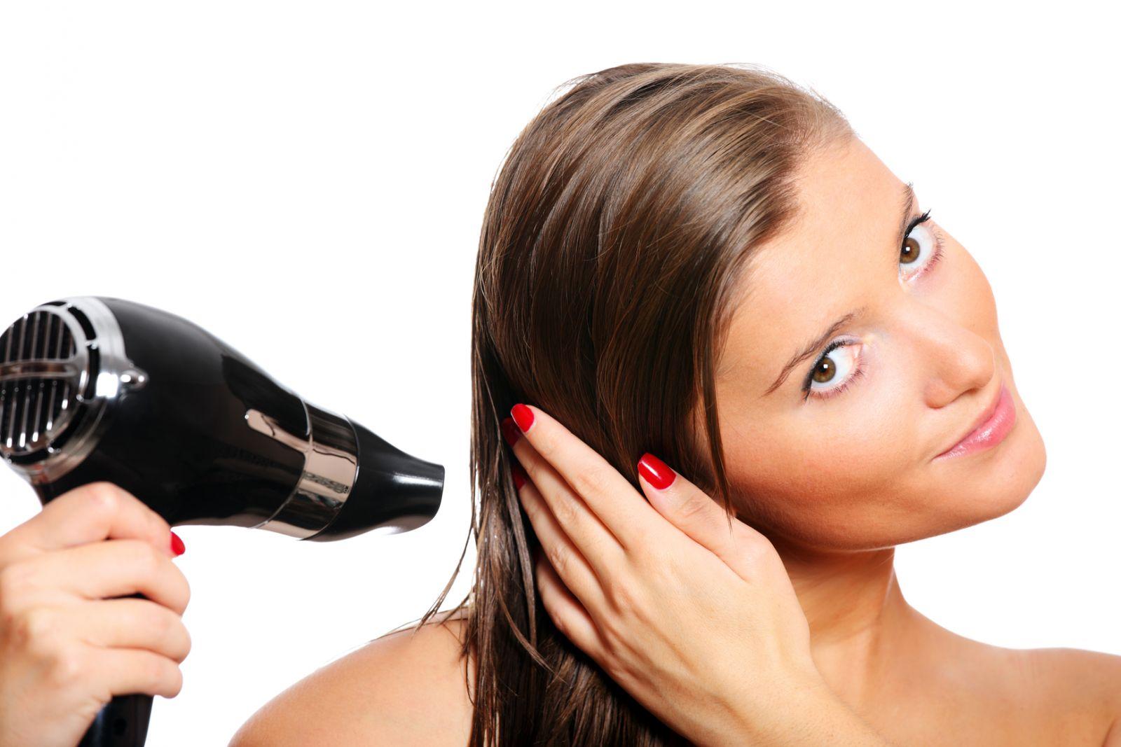 Как правильно мыть, сушить и расчесывать волосы? - фото №2