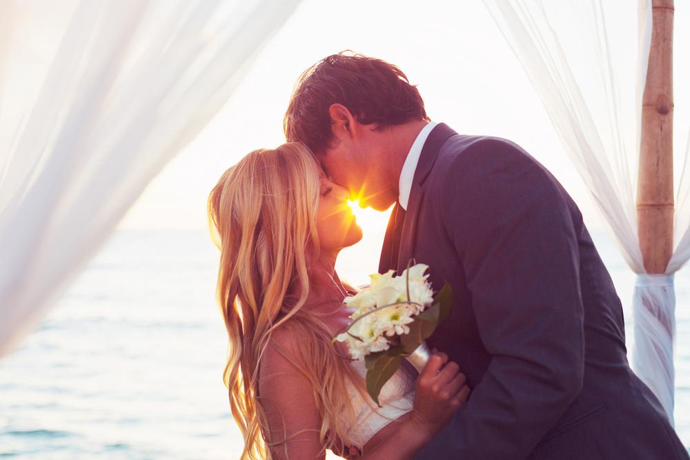 Как понять, что мужчина готов к браку: 8 признаков, которые вас обрадуют - фото №2