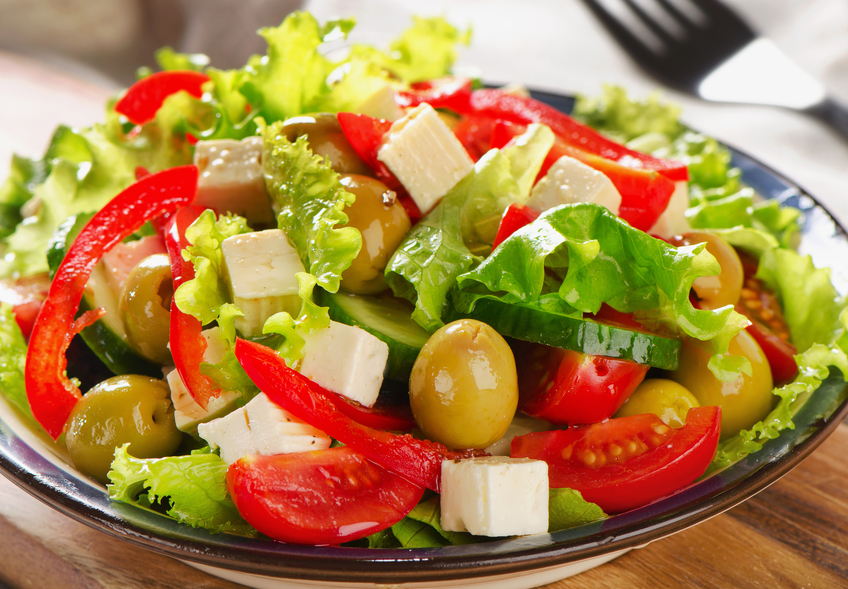 Летние салаты: рецепты для того, чтобы порадовать себя легким перекусом - фото №1