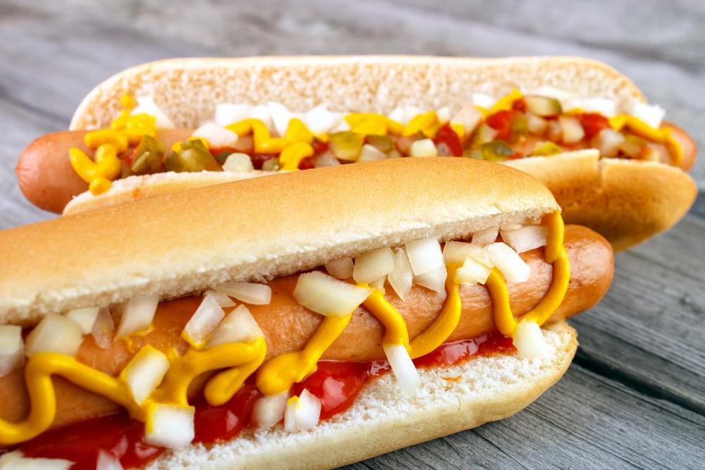 Как хот-дог стал всеобщим любимцем: история одного сэндвича - фото №1