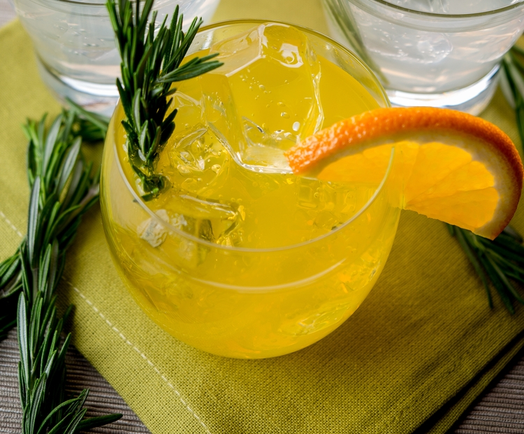 ТОП-5 коктейлей на Новый год: самые вкусные алкогольные рецепты - фото №2