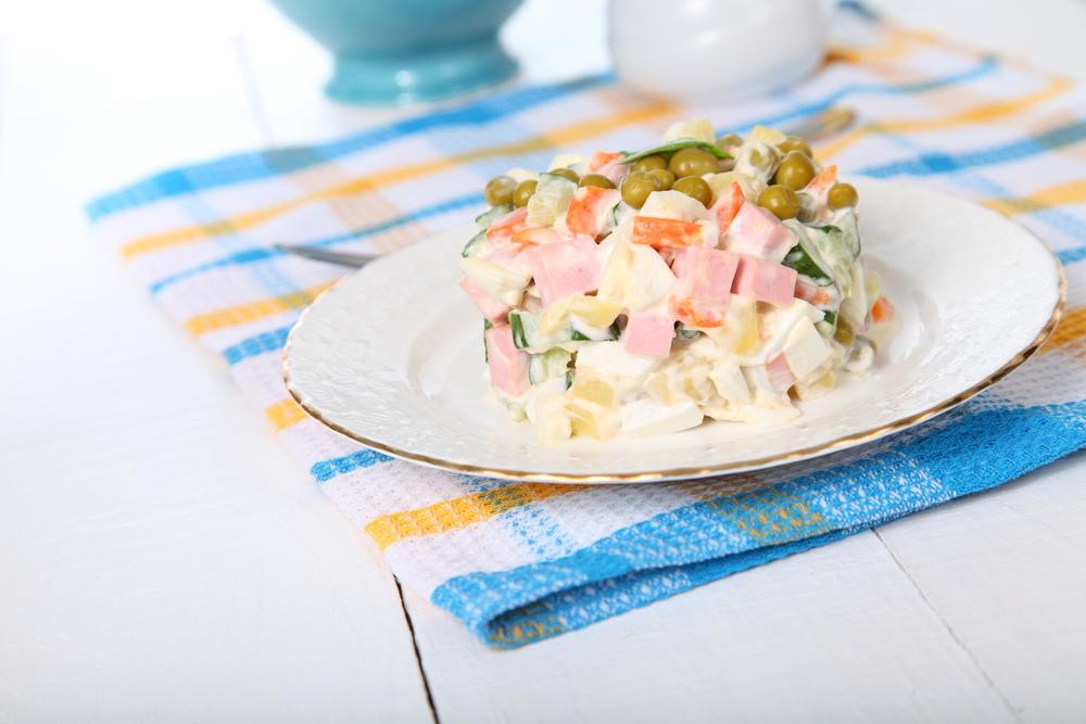 ТОП-5 вариантов рецепта оливье: салат, без которого не будет Нового года - фото №2