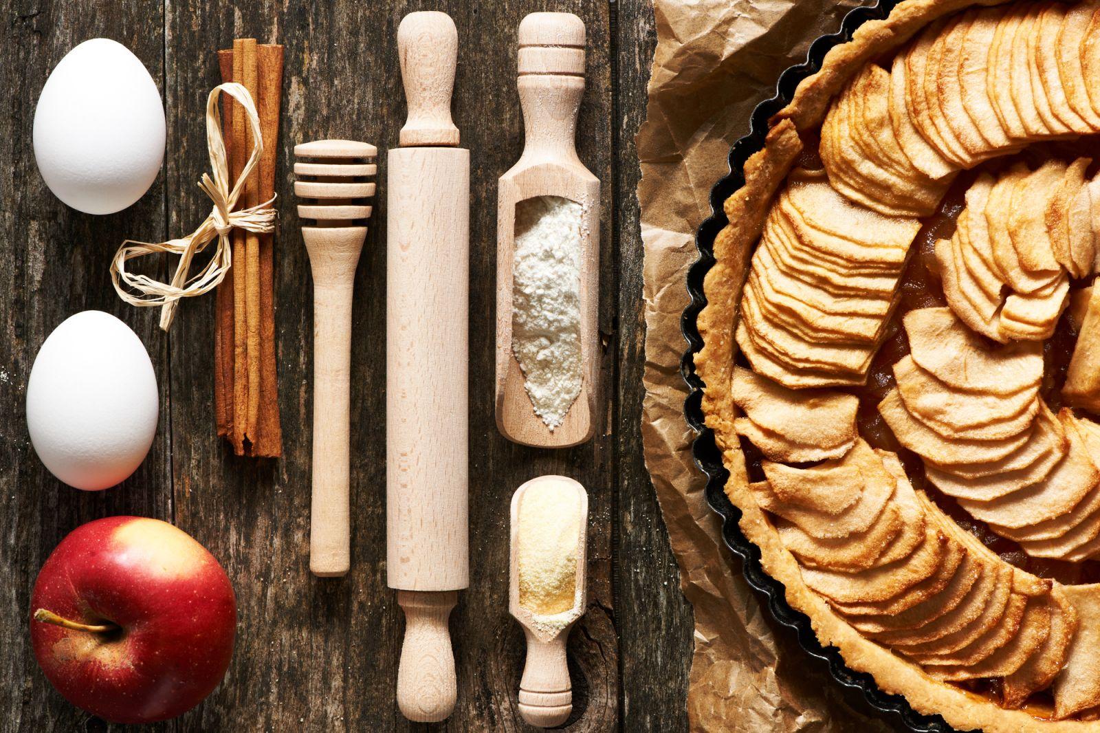 Яблочный пирог с корицей: рецепты для уютного вечера в кругу семьи - фото №4