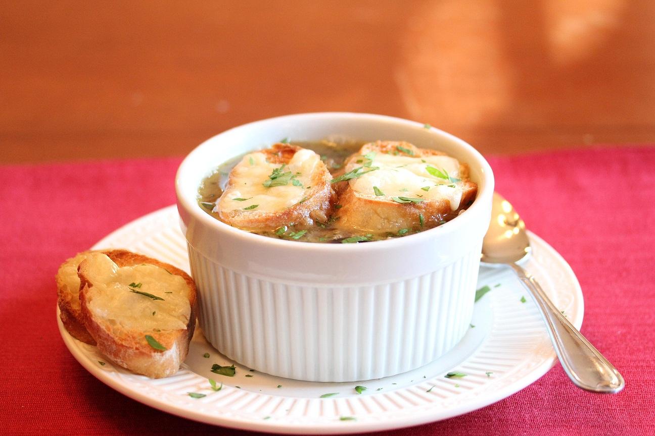 Как приготовить луковый суп: рецепт Бриджит Джонс - фото №2