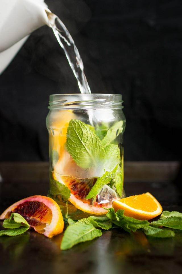 Стакан воды с лимоном по утрам: когда полезная привычка становится губительной - фото №7