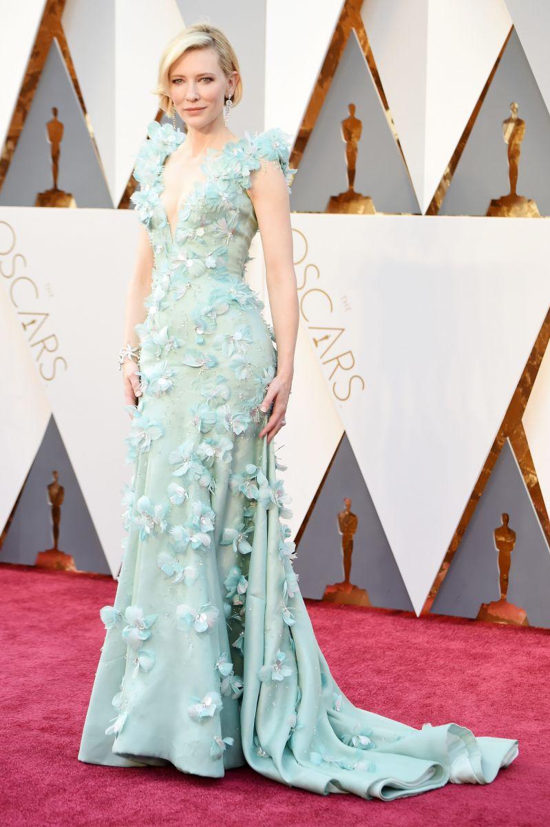 Красная дорожка «Оскар-2016»: лучшие образы звезд