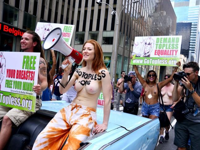 Освободи свои соски: зачем женщины выступают за возможность ходить топлес - фото №3