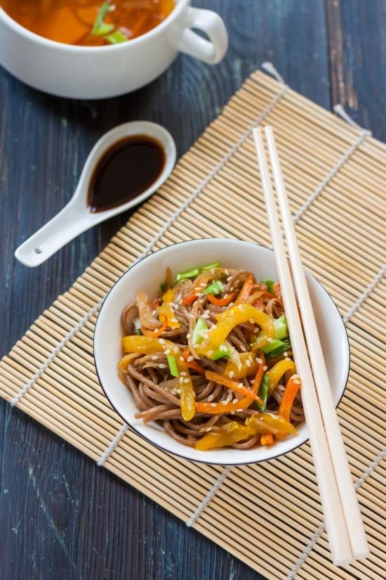 Вкуснейшие блюда, в которые добавляют крабовые палочки: рецепты на заметку - фото №46