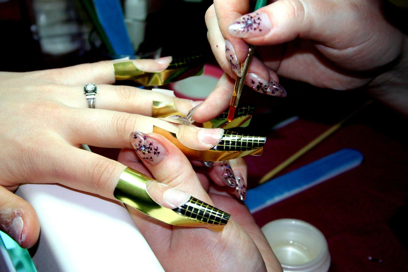 Наращивание ногтей в домашних условиях - фото №1
