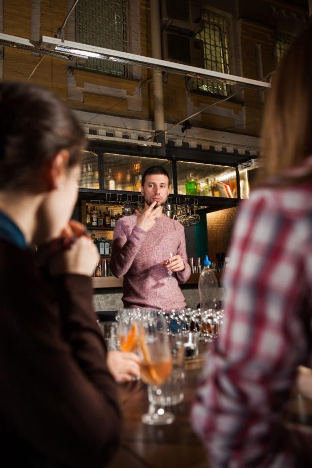 Беседа с барменом: как правильно пить алкоголь и что должно быть в домашнем баре - фото №9