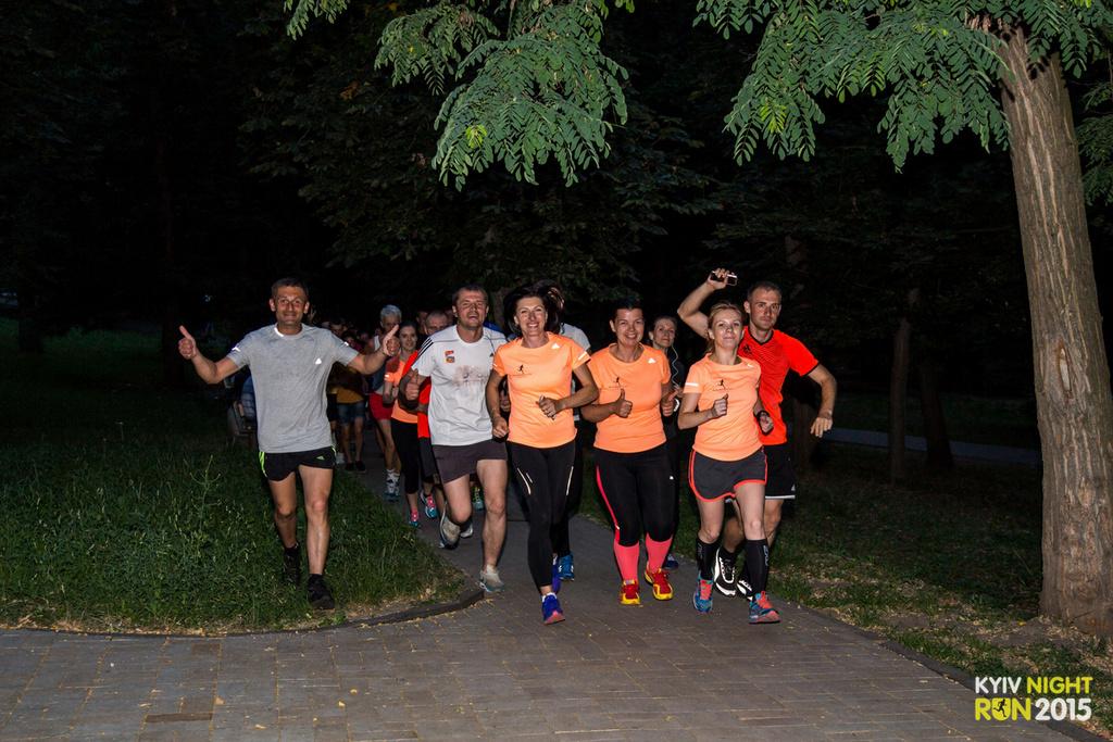 Ночной Киев атаковали бегуны - фото №2