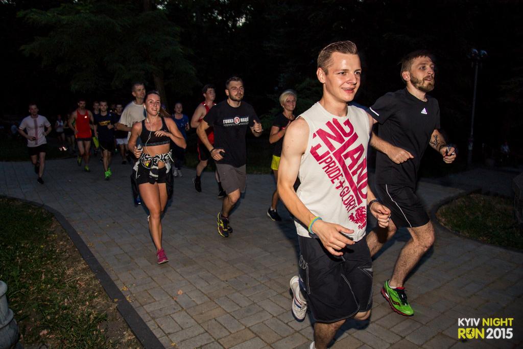 Ночной Киев атаковали бегуны - фото №3