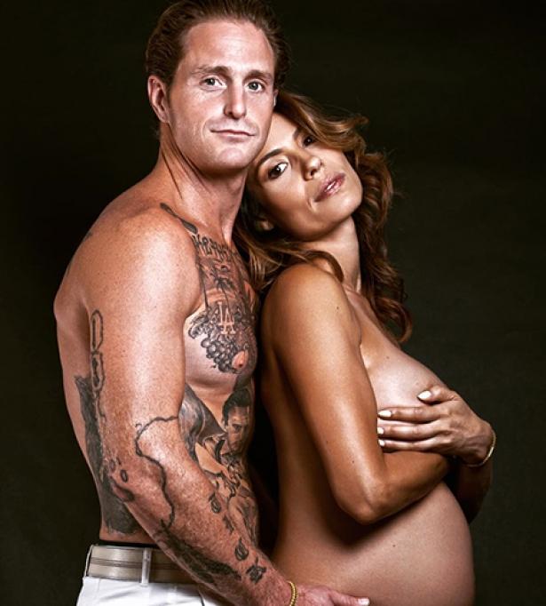 Кэмерон Дуглас с беременной возлюбленной Вивиан Тибес