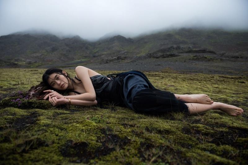 горы девушка загрязнение окружающей среды