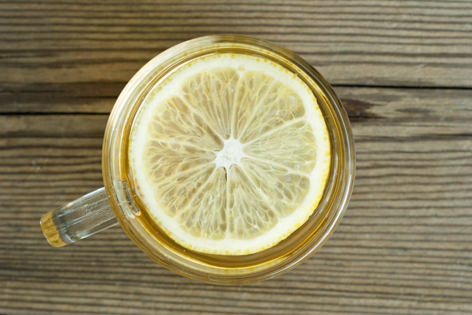 Зачем пить воду с лимоном по утрам - фото №3