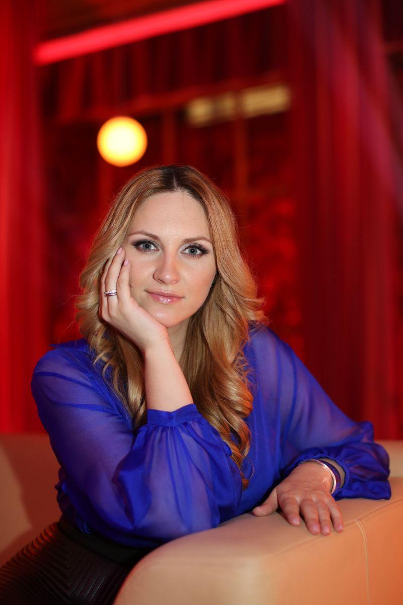 Ведущая Давай поговорим о сексе Юлия Бортник: Все, что советую героям, испытываю на себе - фото №1