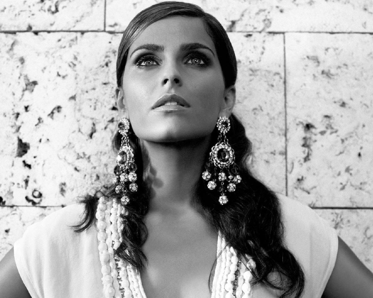 Нелли Фуртадо (Nelly Furtado) - фото №2