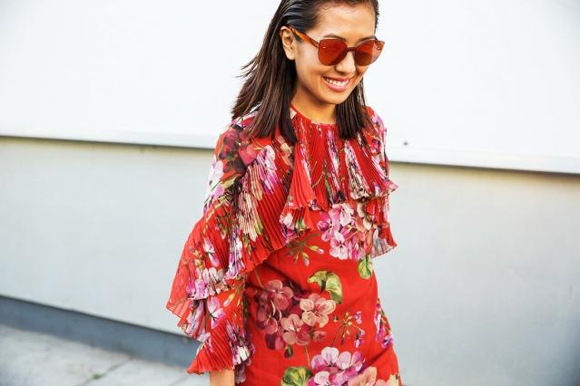Как носить яркие цвета: более 40 ярких весенних образов