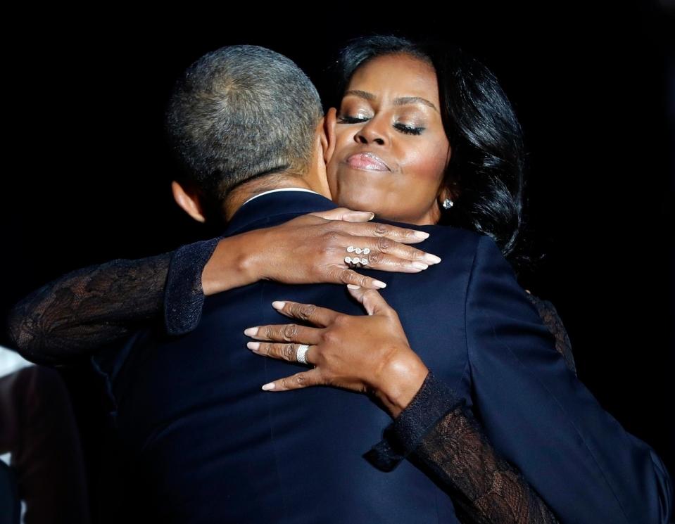 25 лучших лет любви к Мишель: Барак Обама прослезился во время прощальной речи – перевод трогательных слов президента - фото №3