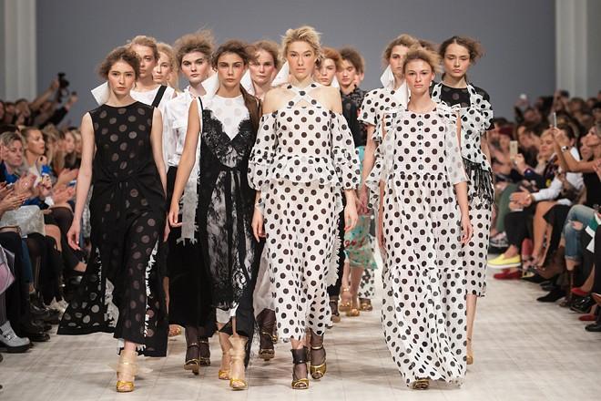 Ukrainian Fashion Week SS`16: лучшие образы показов первого дня