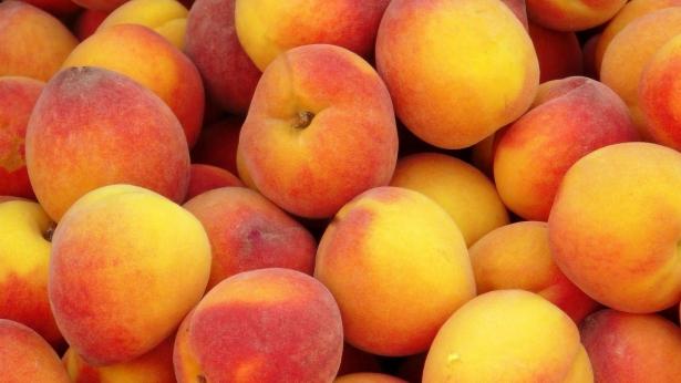 Рецепт компота из персиков на зиму: ароматная сказка в банке - фото №2