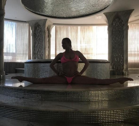Анастасия Волочкова устроила фотосессию в бикини в СПА-салоне (ФОТО) - фото №2