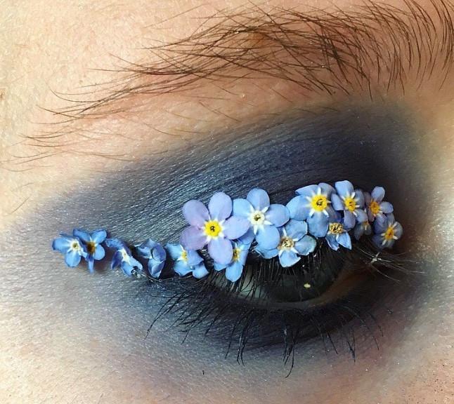 Слишком красиво: цветы-стрелки, как идея для макияжа на свадьбу, фотосессию или вечеринку - фото №7