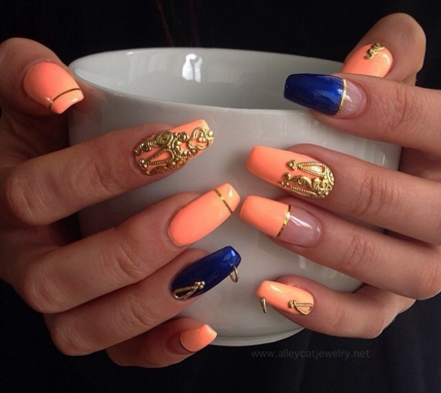 Вот это прокол: пирсинг-ногтей снова в трендах маникюра - фото №3
