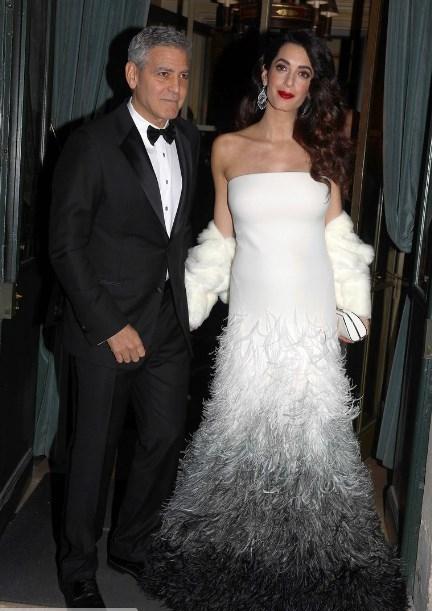Счастливый Джордж Клуни с беременной женой восхитили очередным выходом в свет (ФОТО) - фото №1