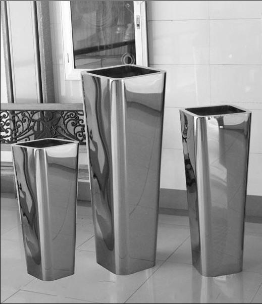 Тренд в интерьере: крупные вазы - фото №14