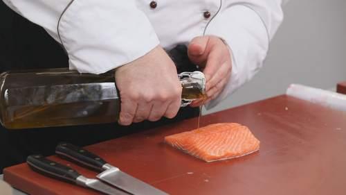 Как правильно разделывать лосося? Видео - фото №7