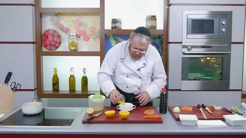 Запеченный лосось и салат с лососем в соусе понзу - фото №11