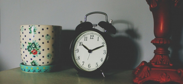 Перевод часов на зимнее время онлайн с ХОЧУ: следи за точным киевским временем в Украине - фото №1