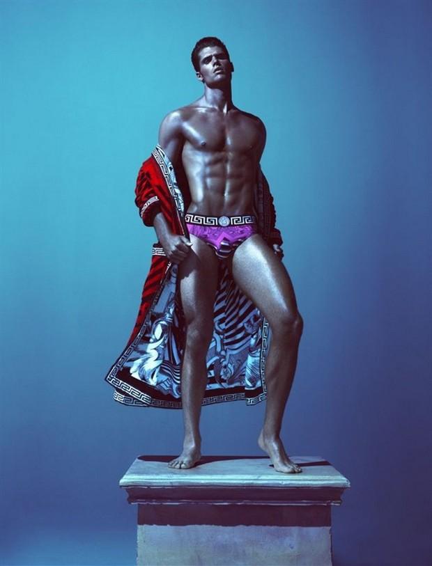 Самые ожидаемые мужские парфюмы осени 2013 - фото №2