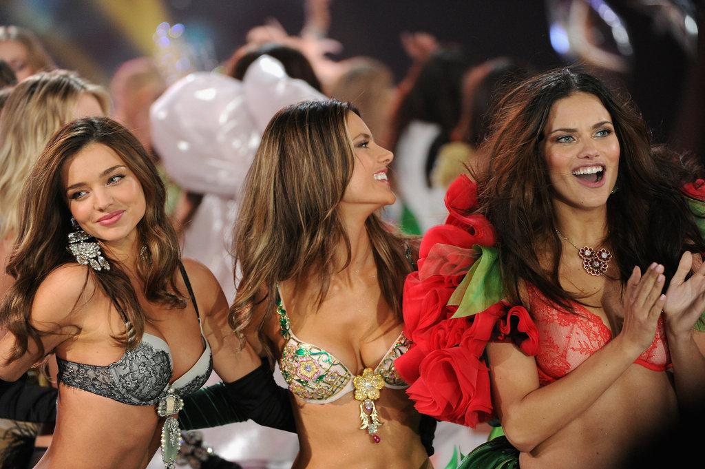 Состоялось модное шоу Victoria`s Secret 2012 - фото №9