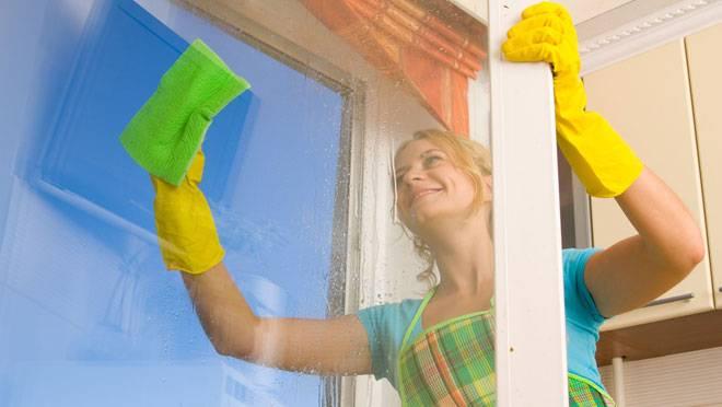 Как очистить зеркала и окна без вреда для здоровья? - фото №1