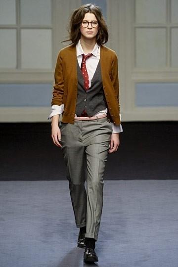 мужская одежда на девушке