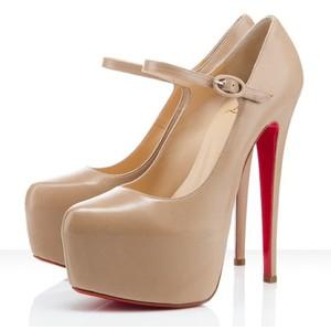 Вечная классика: туфли Christian Louboutin - фото №4