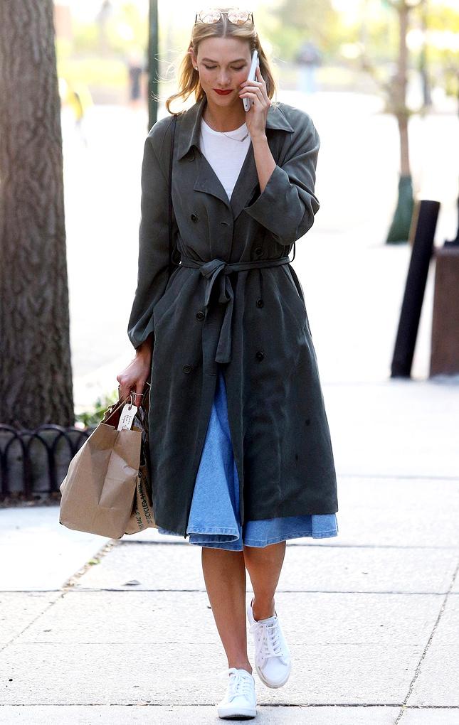 Голосуем! Самый стильный звездный образ недели: Рита Ора, Карли Клосс и ТИльлда Суинтон в миди-юбках