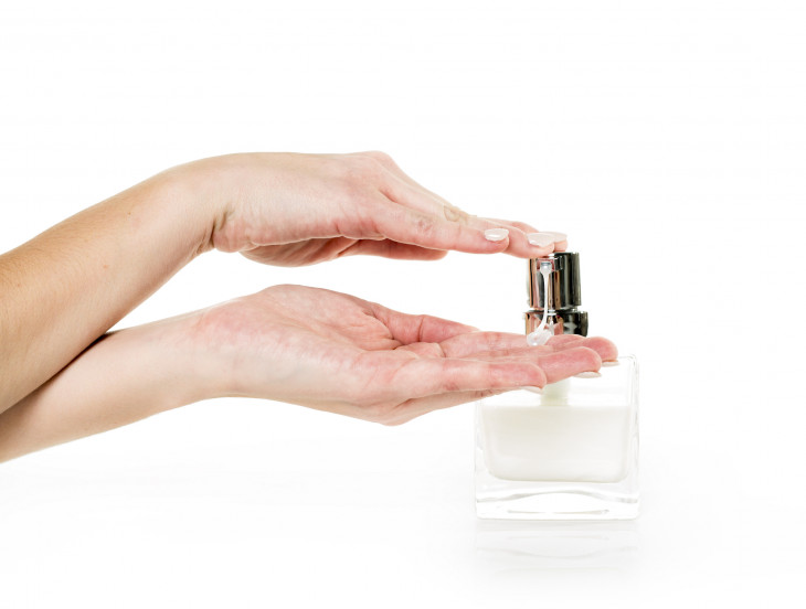 Сухость кожи рук : причины и лечение