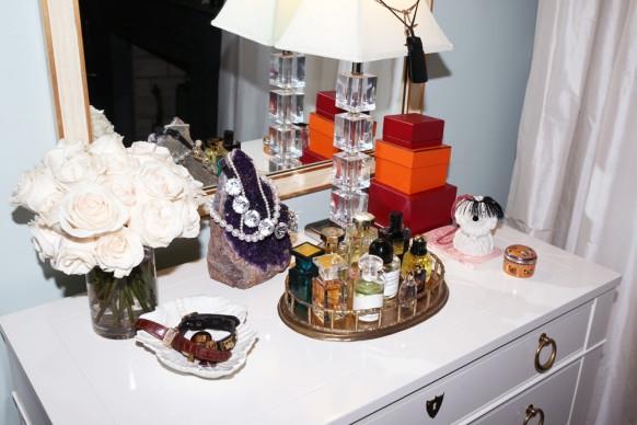 Розовый кварц в спальне Миранды Керр