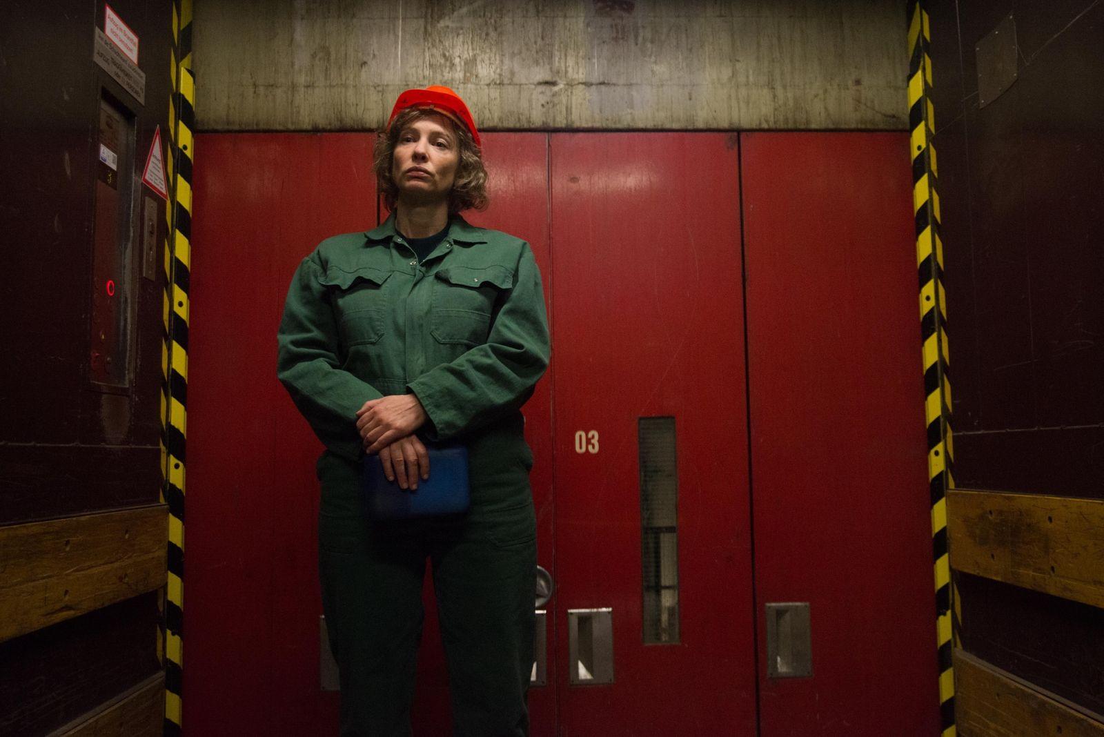 13 обличий Кейт Бланшетт: актриса стала бездомной, учительницей и работницей фабрики - фото №3
