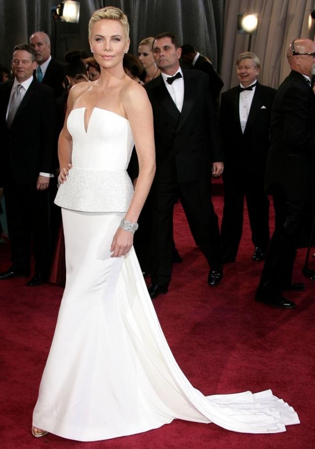 Вспомнить все: лучшие бьюти-образы с красной дорожки «Оскар» за последние 10 лет - фото №12
