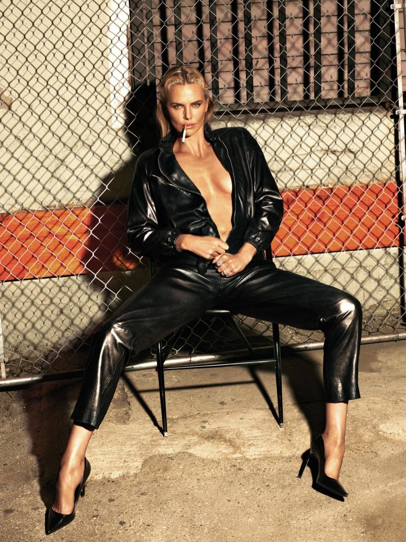 Как выглядеть сексуально в лакированной коже: новый образ Шарлиз Терон