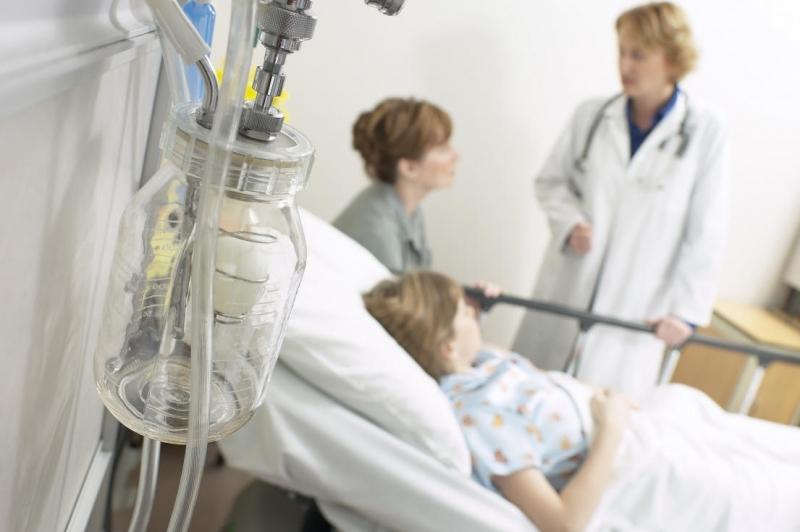 Мать с ребенком в больнице: игра на выживание - фото №1