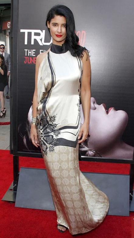 Джессика Кларк выбрала платье от OlenaDats' для красной дорожки - фото №1