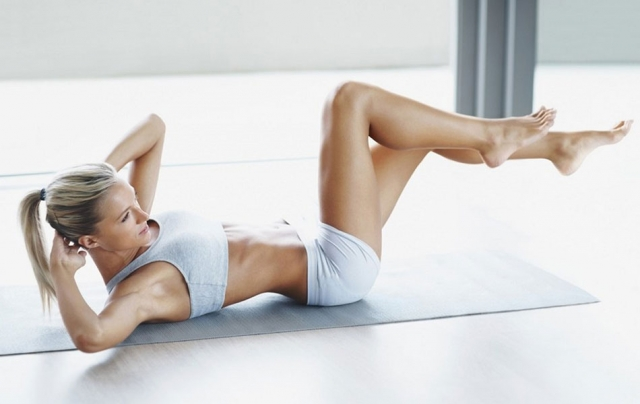 Бодрое утро: эффективные упражнения для утреннего фитнеса (ВИДЕО) - фото №6