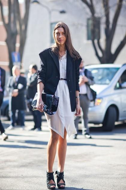 Тренд: платье-рубашка - фото №21