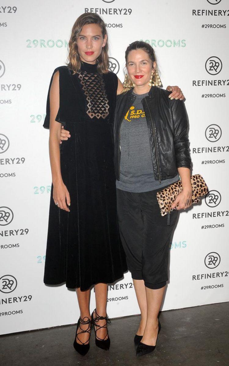 Гости Недели моды весна-лето 2016 в Нью-Йорке: на других поглядеть, да себя показать - фото №12