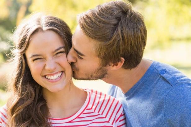 Всемирный день поцелуя: история праздника, удивительные факты и идеи для времяпровождения - фото №1